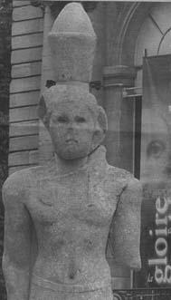 La mayor estatua de la antigüedad viaja a Paris