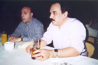 Depués de bailar un poco de relax y claro, otra copa... a la izquierda Victor Rivas y José Antonio Alonso y a dormir...