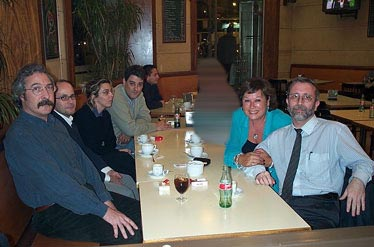 De nuevo de izquierda a derecha tenemos a Jaume Vivó, Miguel Ángel Molinero, Luz, Miguel Ángel Díaz, Rosa Pujol y Manuel Crenes