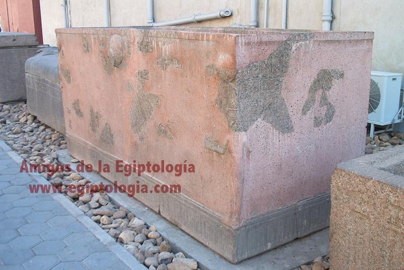 sarcofago-ajenaton-cairo