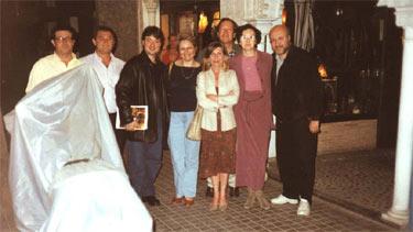 De izquierda a derecha: Juan Enrique, Pedro Gómez, Éric, Ángeles, Celso, Silvia, Victoria y su marido Pedro...