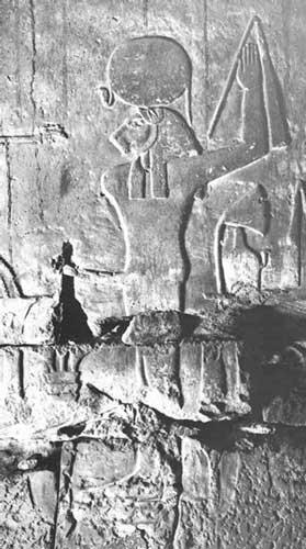 La diosa Sejmet con el cuerpo del dios Min. Templo de Jonsu, Karnak. Dinastía XIX, Reino Nuevo Tardio