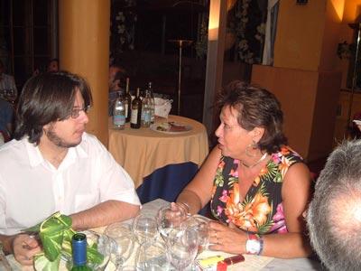 Una interesante charla entre Curro y Rosa