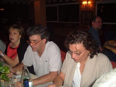 Pilar, Francisco y su esposa Marinela