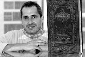 Santi Entrena, estudioso de Egipto y coleccionista