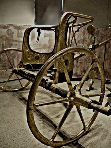 Foto 18 - Carro hallado en la tumba de Tutankamón