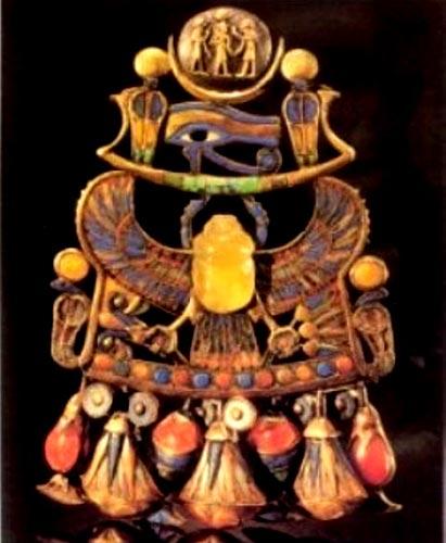 Foto 30 - Pectoral de Tut y una de las joyas más popularizadas de las pertenecientes a Tut y halladas en su tumba