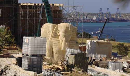 Fotos 7. Vistas de los gigantescos decorados levantados en Malta para el rodaje de Ágora. Ver en http://www.lashorasperdidas.com/index.php/2008/04/07/nuevas-imagenes-de-agora/