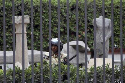 Hawass asegura que no ha desaparecido ninguna pieza del Museo Egipcio