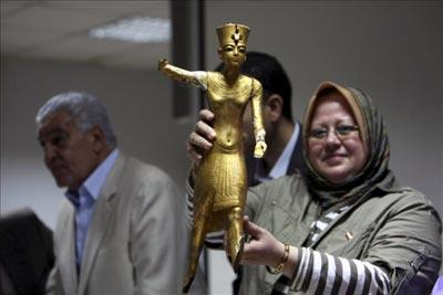 Encuentran en el metro cairota cuatro piezas robadas del ajuar de Tutankamón