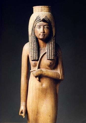 Fig. 17. Estatuilla votiva de Ahmés-Nefertari, hallada en Deir el Medina. Museo del Louvre.