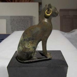 2La restauración de los bronces egipcios del MDM