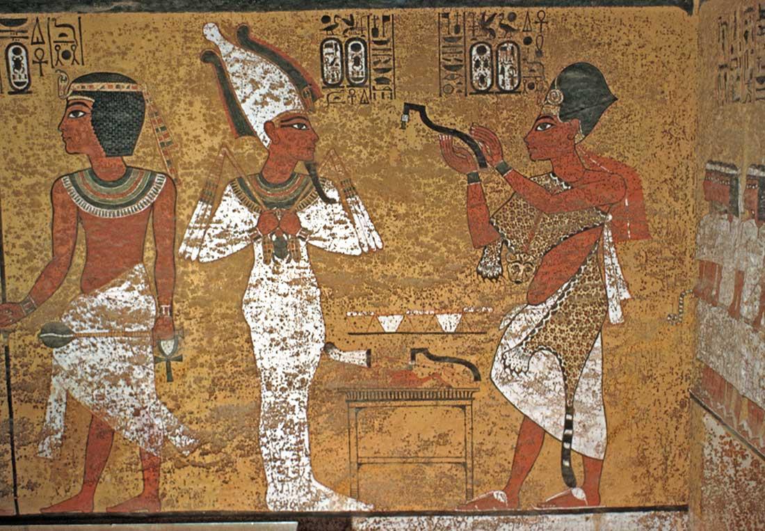 12. Ay en tumba de Tut