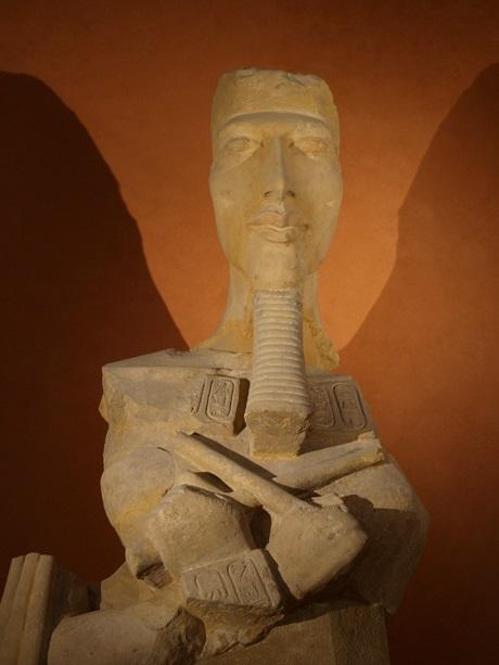 FAkhenaton_Louvre5